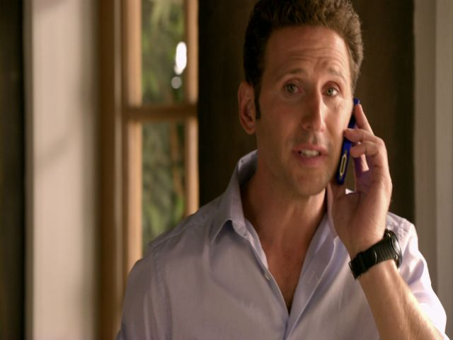 Free | USA Aired: 5/31/2012. Hank struggles with the death of a friend.
